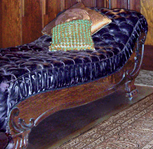 Victorian fainting couch collectors weekly for Small fainting couch