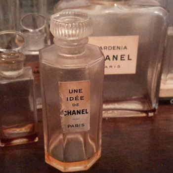 1930's Une Idee De Chanel Perfume bottle