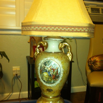 """Colonial Couple"" Lido China 22k porcelain lamp - Lamps"