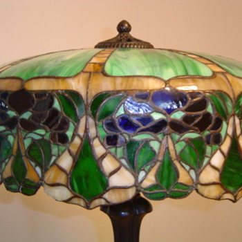 GREAT LEADED GLASS LAMP, D&amp;K? - Lamps