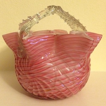 Welz Butler Bros catalogued basket - Art Glass