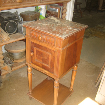 French lamp table?