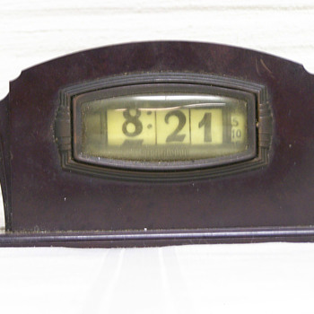 1933-35 Pennwood BakeLite Numechron Model 12A, The Leonis