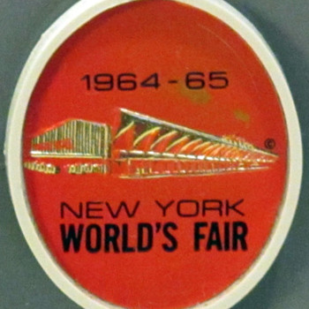 """New York World's Fair 1964-1965"" Singer 600 - Sewing"