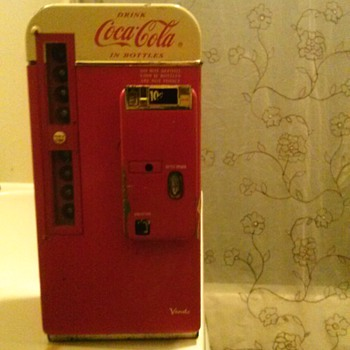 miniture coke machine - Coca-Cola