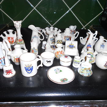 British china souvenirs. - Art Pottery