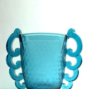 french art deco glass vase by PIERRE D'AVESN for DAUM