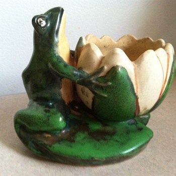 Weller Coppertone Frog - 1920's - Art Pottery