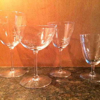 Large antique crystal glass set, cut snowflake pattern - Glassware