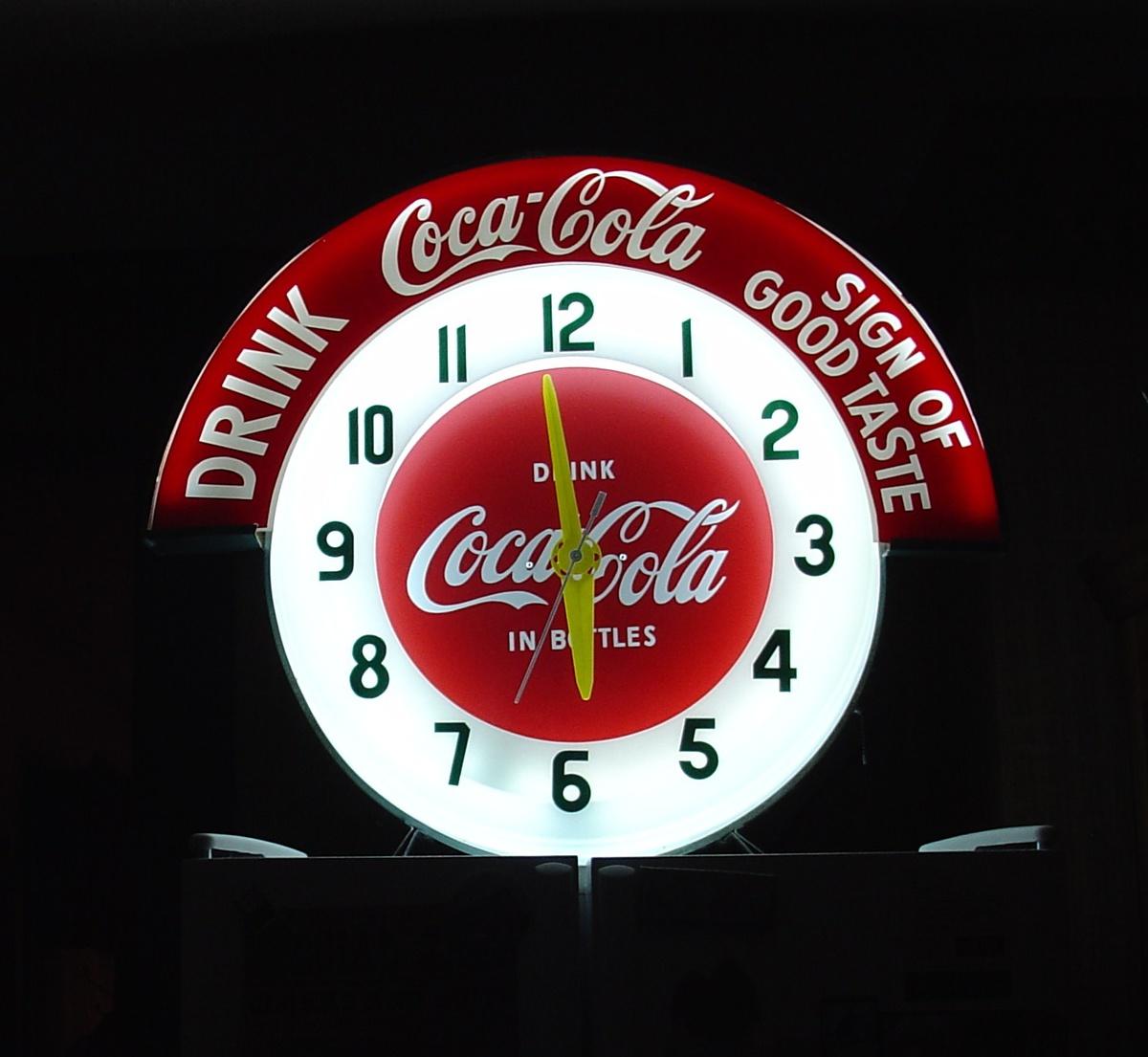 coca cola marque neon clock collectors weekly. Black Bedroom Furniture Sets. Home Design Ideas