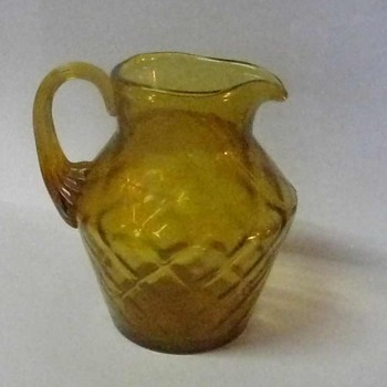 10 oz COLONIAL AMBER FENTON PITCHER IN DIAMOND OPTIC DESIGN AND APPLIED HANDLE - Art Glass