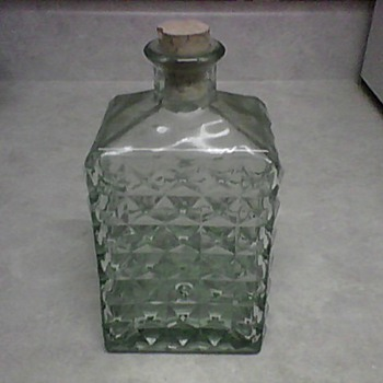 ALBI GLASS DECANTER