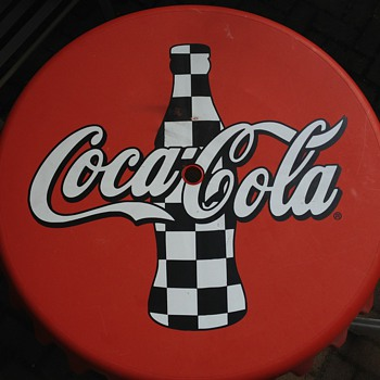 Coca-Cola bottle cap table - Coca-Cola