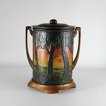 Art Nouveau Biscuit Tin
