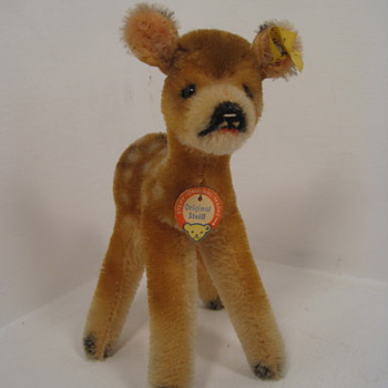 Fawning Over This Tiny And Pristine Steiff Deer  - Dolls