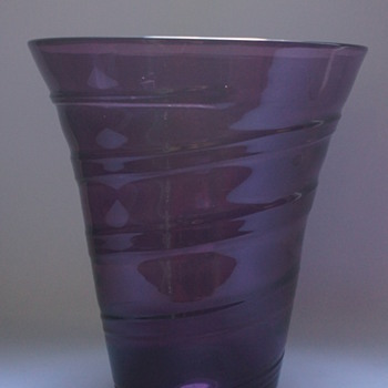 Whitefriars Ribbon Trail Vase