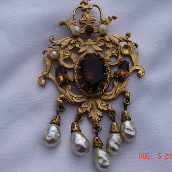 Ugly As Sin Vintage Corocraft Pin Brooch Amber Center Stone Dangling Pearls  - Costume Jewelry