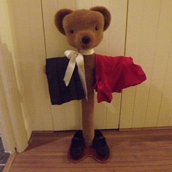 Merry Thought Bear Clothes Stand - Dolls