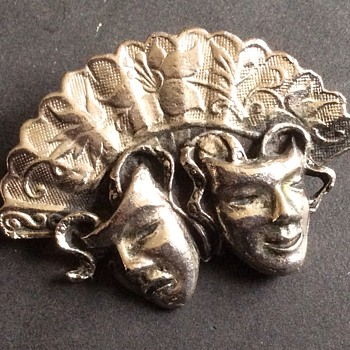 Art Deco looking brooch - Costume Jewelry