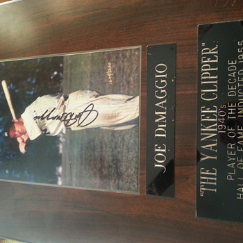 1604 of 5000 autographed plaque - Baseball