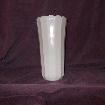 Unidentified Milk glass vase
