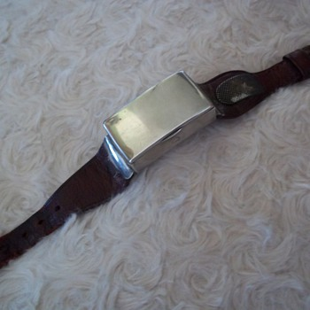 Very Rare Solid Silver Wrist Vesta 1903 Birmingham  - Sterling Silver