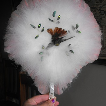 VICTORIAN HUMMINGBIRD FEATHER FAN  - Accessories