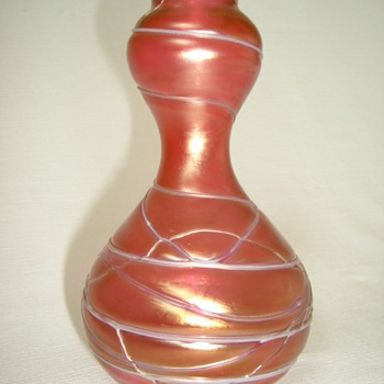 Iridescent Art Nouveau Kralik Veined Vase - Art Glass