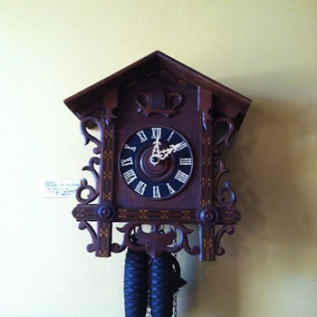 Antique cuckoo clock  - Clocks
