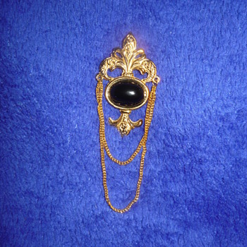 Bergere Brooch