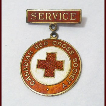 Canadian Red Cross Society ---> Service Pin