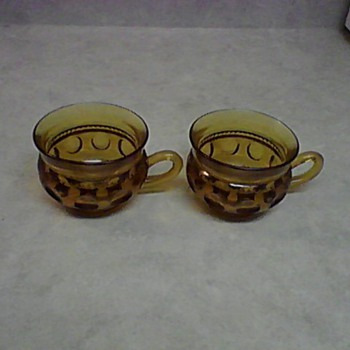 AMBER PUNCH CUPS - Glassware