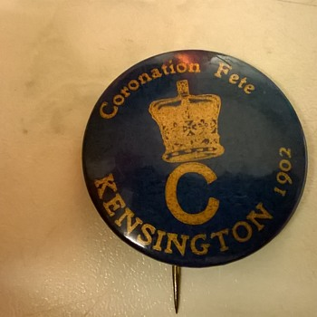 King Edward VII Souvenir Coronation Fete Pin 1902, Flea Market Find - Medals Pins and Badges