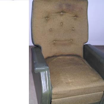 National furniture MFG. Green chair.