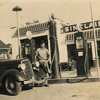 old Sinclair cowboy photo - Photographs