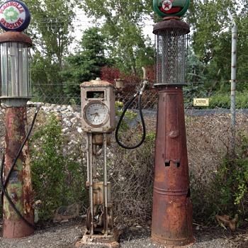 Cool Pumps - Petroliana