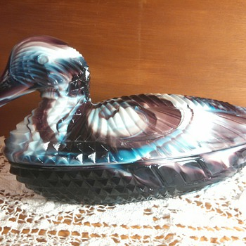 "Imperial Glass ""Atterbury Duck"" slag glass - Glassware"
