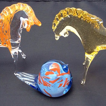 Glass horse sculpture  - Art Glass