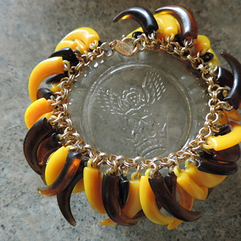 Crazy Bakelite tooth and claw Vendome - Costume Jewelry