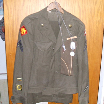 Complete WW2 U S Army uniform - Military and Wartime