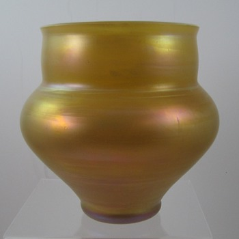 Iridescent golden-yellow vase, matte iridescent, maker unknown - Art Glass