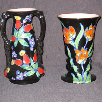 Black background Urbach designs - Art Pottery