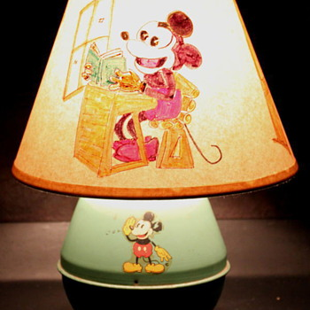1930&#039;s Mickey Mouse Tin Lamp w/ Handpainted Shade