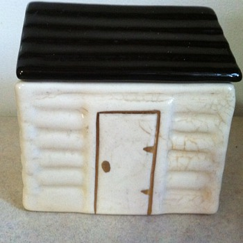 Old log cabin box - Art Pottery