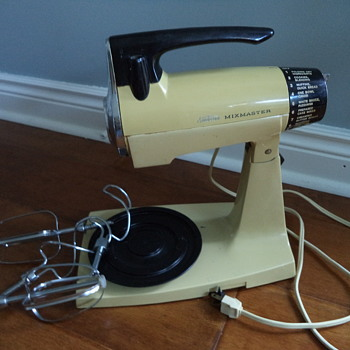 Vintage 1970s Sunbeam Mixmaster - Kitchen
