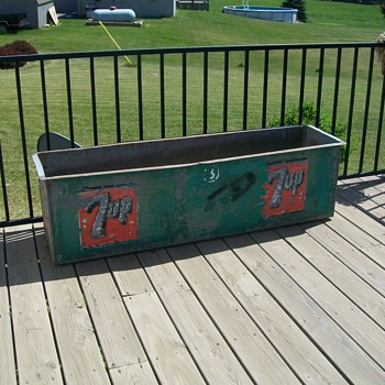 Vintage 7up metal cooler - Advertising