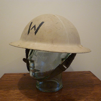 British WWII Wardens helmet. - Military and Wartime