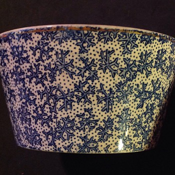 Cartwright & Edwards Coral pattern bowl. 1858-1924