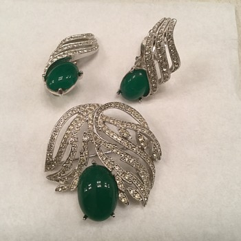 POLCINI CHRYSOPRASE SET - Costume Jewelry