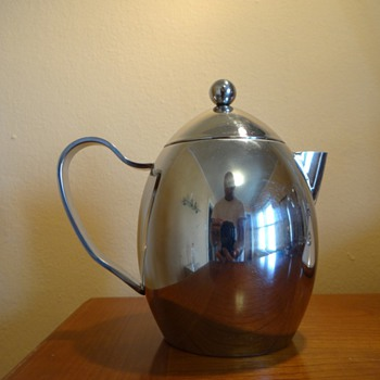 ART DECO OR MID CENTURY MODERN CHROME TEA POT MAKER UNKNOWN